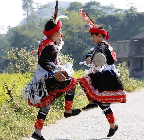 瑶族的简介及风俗习惯:瑶族居然有这么多名人