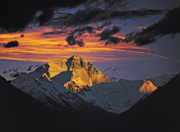 北大登山队登珠峰(图)